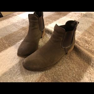 Size 9.5 Chocolate Brown ankle boots